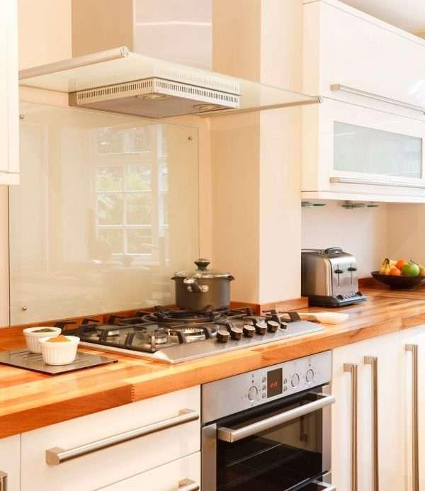 clear glass kitchen splashback